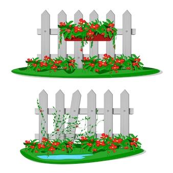 Cerca de madeira branca dos desenhos animados com flores no jardim em vasos pendurados. conjunto de cercas de jardim em fundo branco. construção de silhueta de placas de madeira em estilo com decorações de flores penduradas