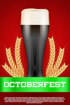 Cerveja de celebração do octoberfest. copo com cerveja e malte de grãos.