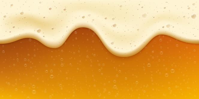 Cerveja dourada fresca realista com bolha e espuma. banner da oktoberfest. bebida fresca de ouro. fundo de vetor de celebração de festival de cerveja artesanal