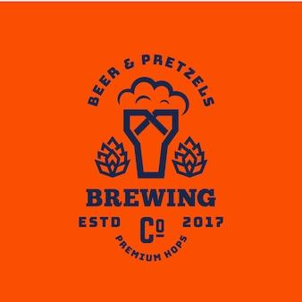 Cerveja e pretzels abstraem retrô símbolo ou logotipo modelo. sinal de cerveja premium tipografia vintage. vidro com espuma e bagel emblema criativa.