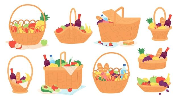 Cestas de piquenique. cestas de vime com comida e garrafa de vinho no cobertor para refeição ao ar livre. cesta de presente dos desenhos animados com conjunto de vetores de frutas e lanches. garrafa de ilustração e comida na cesta para piquenique de verão