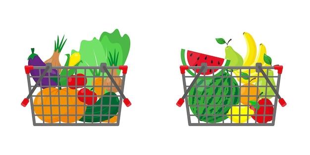 Cestos de compras com frutas e vegetais. comida na cesta.
