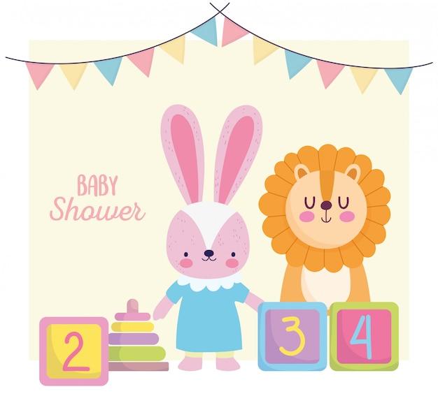 Chá de bebê, coelho bonito leão com brinquedos de blocos, anuncia o cartão de boas-vindas ao recém-nascido