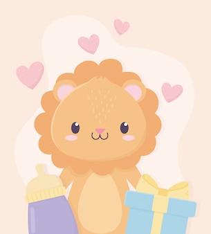 Chá de bebê leão pequeno bonito com caixa de presente e garrafa de leite adorável