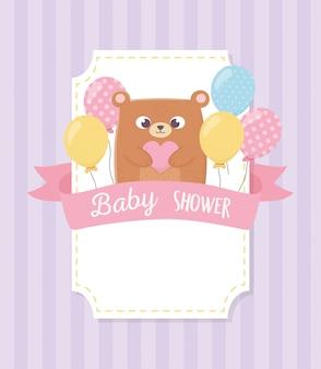 Chá de bebê, urso de pelúcia com fundo de balões