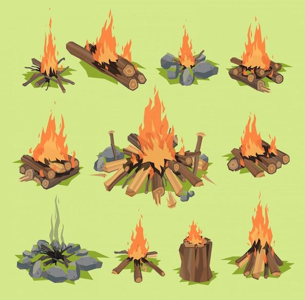 Chama de fogo ou lenha viagem ao ar livre fogueira lareira flamejante e fogueira inflamável ilustração ardente ou ardente floresta conjunto com incêndio isolado no fundo