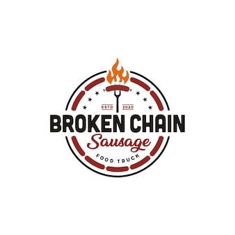 Chama de fogo salsicha grelhada carne churrasco design de logotipo retrô vintage label