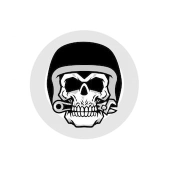 Chave de caveira e capacete