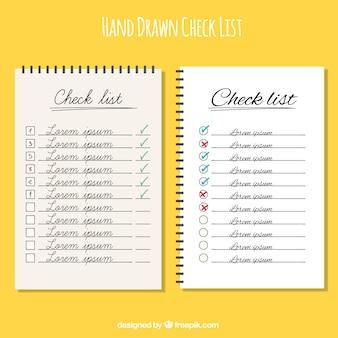 Checklists desenhados à mão com desenhos diferentes