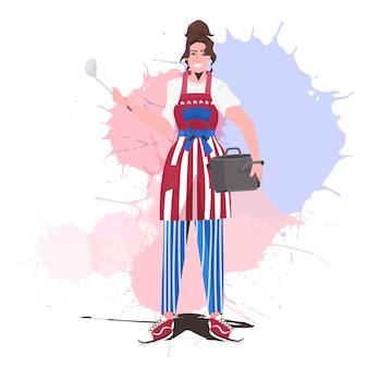 Chef usando avental com bandeira dos eua, feliz celebração do dia do trabalho