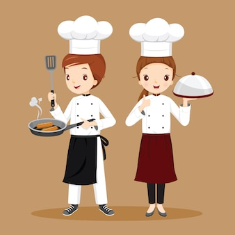 Chefs masculinas e femininas profissionais com alimentos nas mãos