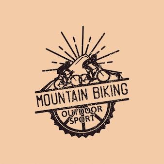 Ciclismo de montanha, modelo de logotipo vintage de esporte ao ar livre