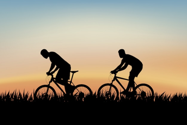 Ciclistas na grama