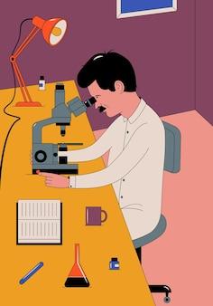 Cientista com microscópio em laboratório