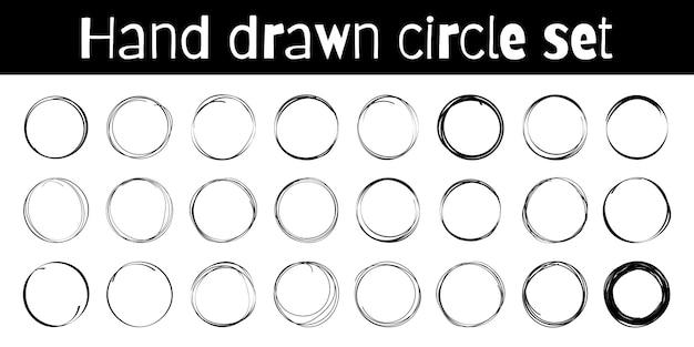 Círculos desenhados à mão esboçar super conjunto de quadros. arredonda círculos de linha de rabisco. s.