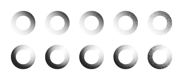 Círculos pontilhados mão desenhada dotwork formas abstratas definidas em diferentes variações, isoladas no fundo branco. coleção de elementos de design redondos pontilhados de vários graus de ruído preto