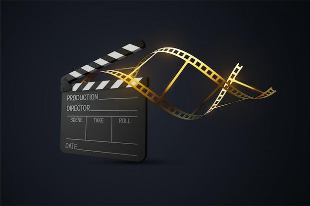 Claquete de cinema com tira de filme dourado enrolado. produção de cinema ou conceito da indústria de mídia. ilustração 3d realista