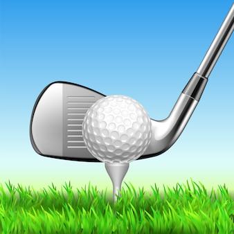 Clube e bola de golfe no equipamento do jogo do t