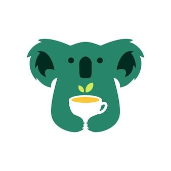 Coala bebendo chá