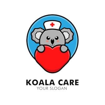 Coala fofo abraçando o logotipo de cuidados com o coração animal ilustração de design de logotipo