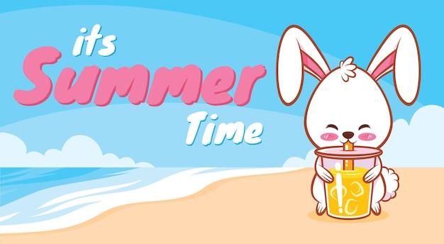 Coelhinha segurando suco de laranja com uma faixa de saudação de verão