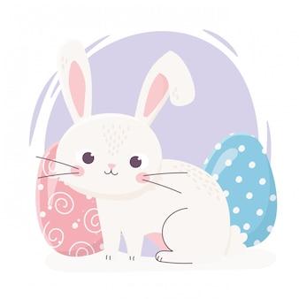 Coelho bonito de feliz páscoa com ilustração de celebração de decoração de dois ovos
