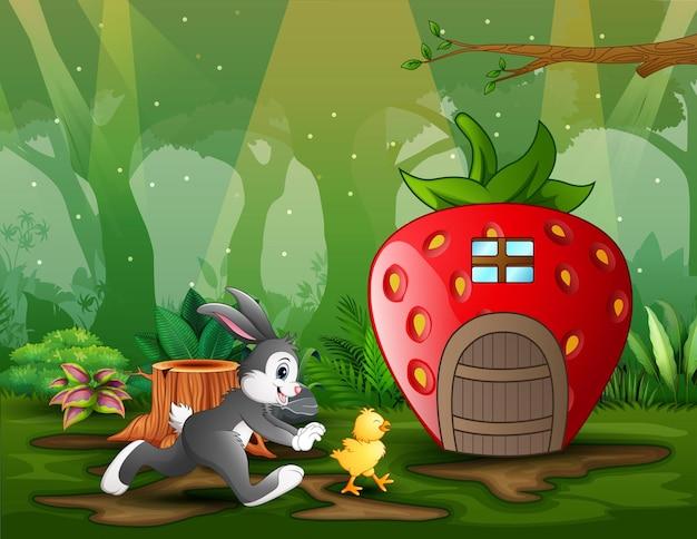 Coelho de desenho animado perseguindo uma garota em frente à casa de morango