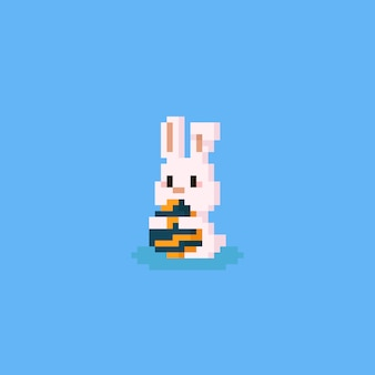 Coelho fofo de pixel abraçando o ovo de páscoa