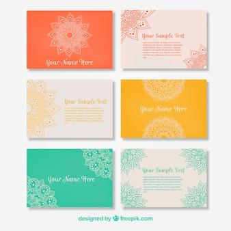 Coleção colorida de cartões de visita com mandalas