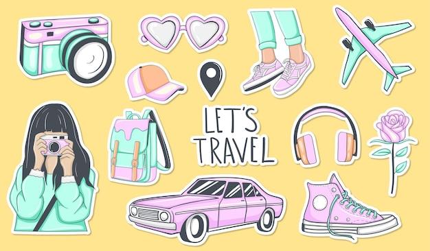 Coleção de adesivos coloridos desenhados à mão para viagens