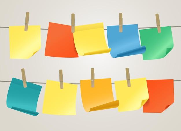Coleção de adesivos de papel de cor na corda. modelo para um texto