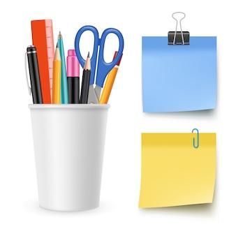 Coleção de artigos de papelaria realista. lápis, caneta, tesoura, papel de nota