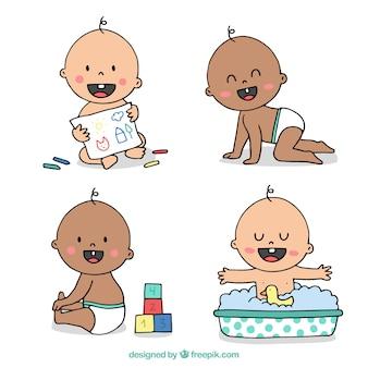 Coleção de bebês bonitos em estilo desenhado a mão