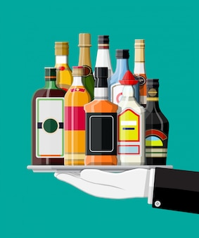 Coleção de bebidas de álcool na bandeja