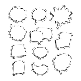 Coleção de bolhas de bate-papo esboçado ou doodle estilo