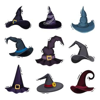 Coleção de chapéus de bruxa em fundo branco.
