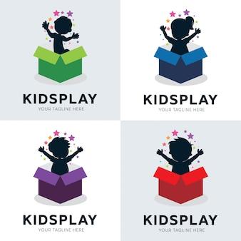 Coleção de crianças brincam no modelo de desenhos de logotipo de caixa