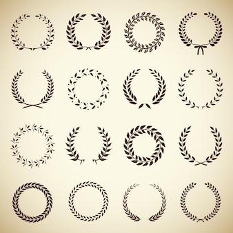Coleção de dezesseis coroas de louro vintage circulares para uso como elementos de design em heráldica em um manuscrito de certificado de prêmio e para simbolizar a ilustração do vetor de vitória em silhueta