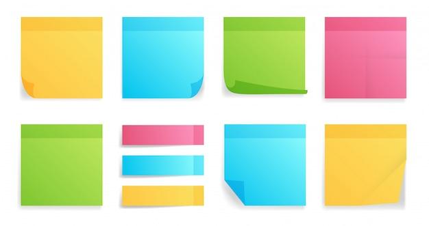 Coleção de diferentes folhas coloridas de papéis de nota com canto enrolado
