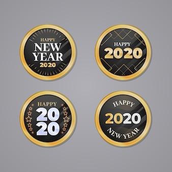 Coleção de distintivo de ano novo 2020 em design plano