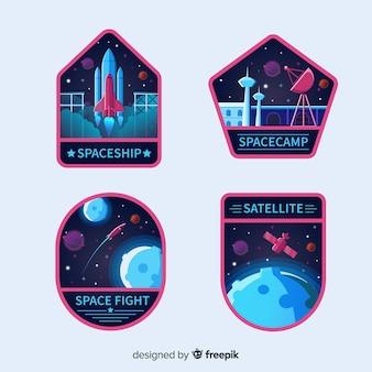 Coleção de distintivo de espaço colorido com design plano