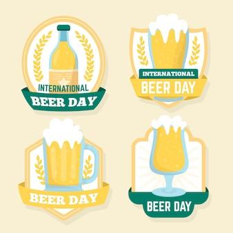 Coleção de distintivos de dia internacional da cerveja de design plano