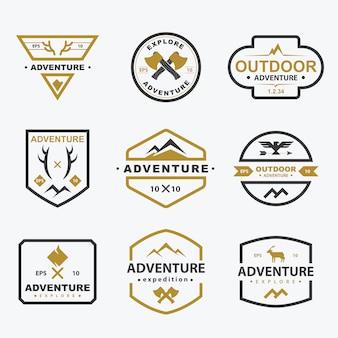 Coleção de distintivos simples de aventura ao ar livre