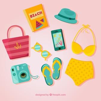 Coleção de elementos de verão com roupas em estilo simples