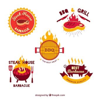 Coleção de emblemas de churrasco em design plano