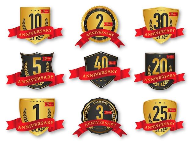 Coleção de emblemas e etiquetas do selo de aniversário dos anos dourados e pretos