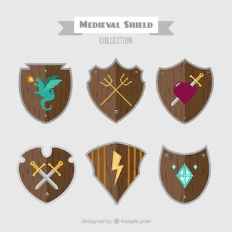 Coleção de escudos de madeira medievais