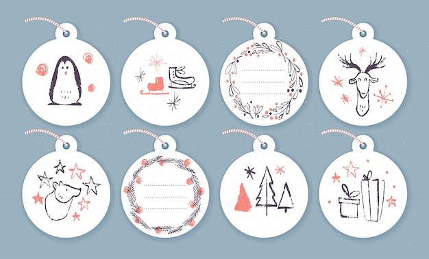 Coleção de etiquetas de presente de natal na mão desenhada estilo de desenho. pinguim, patins, veado, urso, abeto.