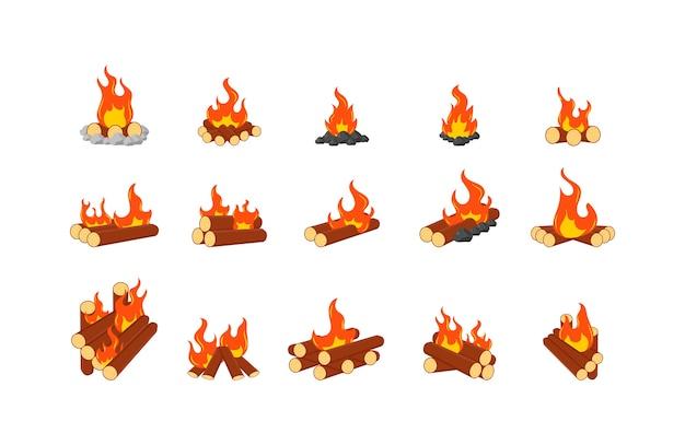 Coleção de fogueiras acesas ou fogueiras isoladas no fundo branco. conjunto de animação de chamas em lenha ou lenha. símbolo de madeira fogueira, viagem e aventura.