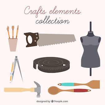Coleção de itens de costura e artesanato
